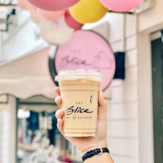 If you ever find yourself in Belait, make sure to drop by to @theslicebyia ; a hidden gem tucked away in Jalan Pretty - guaranteed to satisfy your sweet tooth and caffeine cravings, for all coffee or non-coffee lovers!   📸: @fatineats  #discoverbrunei #travelgram #instatravel #travelasia #travelinspiration #travelphotography #travel #wanderlust #destinationearth #seetheworld #brunei